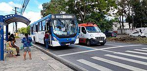 SMTT altera pontos de ônibus localizados na Praça dos Palmares
