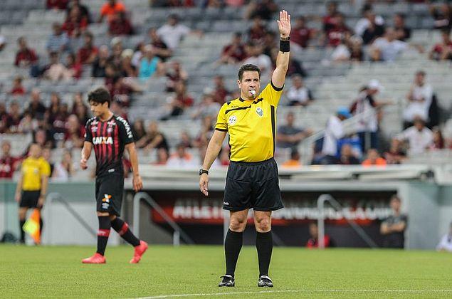 CBF define árbitros para estreias de CSA e CRB no Campeonato Brasileiro 2019