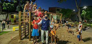 Crianças e adolescentes que residem no Vergel do Lago contam com um local revitalizado para brincar e desenvolver atividades lúdicas
