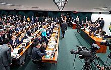 CCJ debateu o texto ontem até as 23h28