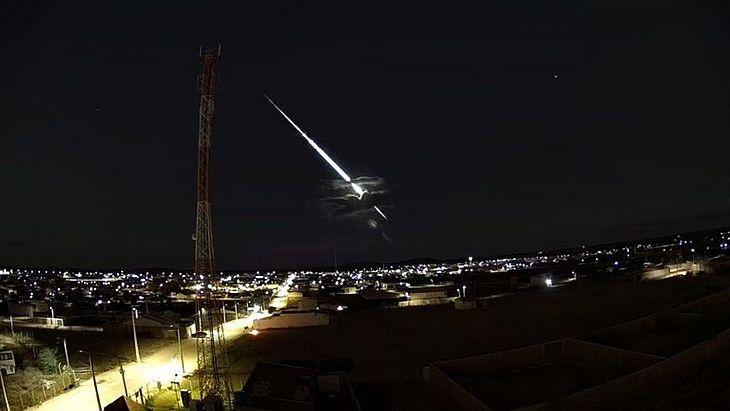 Meteoro brilhante foi visto no Sertão de Pernambuco na noite da quarta-feira