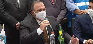 Vacinação contra Covid-19 no Brasil começa hoje 'no fim do dia', diz Pazuello