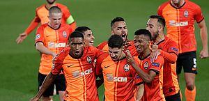Shakhtar bate Real Madrid na Champions com destaques brasileiros