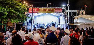 Abertura da 2ª edição do Flipontal aconteceu na Praça São Sebastião, no Pontal da Barra