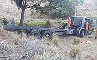 Acidente entre caminhão e carro deixou duas pessoas mortas