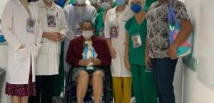 A técnica de enfermagem Iris Vitorino também venceu a batalha contra a Covid-19 após 59 dias internada no Hospital da Mulher