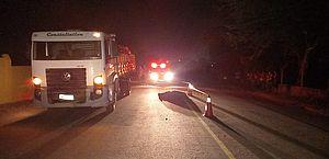 Motociclista morre após bater em traseira de caminhão na AL-110, em Taquarana