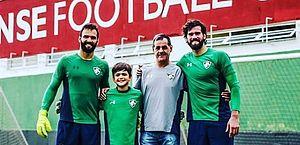 Atletas lamentam morte de pai dos goleiros Alisson e Muriel; Liverpool se solidariza