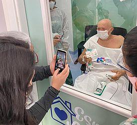 Através de Visita Virtual, avó intermada com Covid-19 pode ver os netos