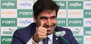 Abel Ferreira, técnico do Palmeiras, testa positivo para a Covid-19