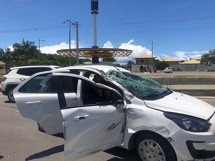 Motorista capotou o Ford Ka na AL-101 Sul e foi encaminhada para um hospital de Maceió