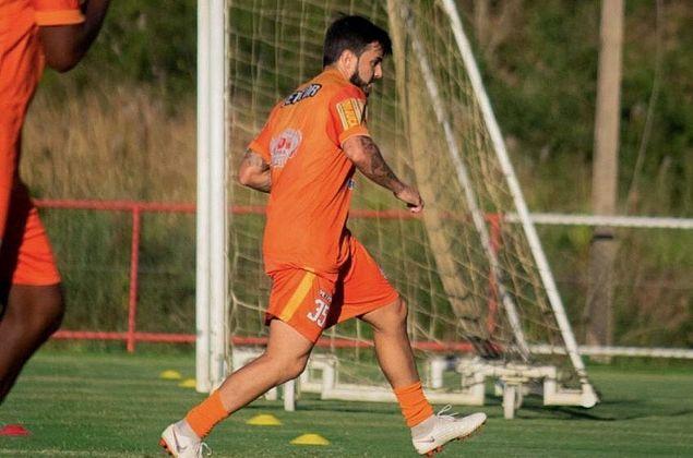 JoãoPaulodestaca momento na Tombense e torce por retorno do Mineiro