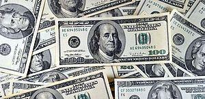 Dólar passa de R$ 4,36 e renova recorde desde criação do real