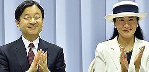Após tufão, Japão adia desfile em carro aberto em ascensão de novo imperador