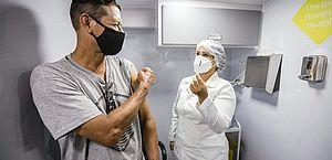Graciliano Ramos recebe ônibus da vacina nesta terça-feira (15)