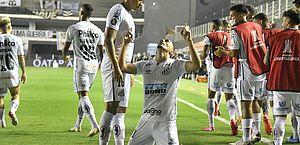 Santos atropela Boca e garante final brasileira na Libertadores