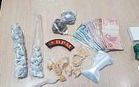 Suspeito de tráfico é detido após esconder droga embaixo de carrinho de mão
