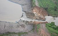 Imagens aéreas mostram rompimento de barragem na Bahia