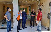 Técnicos da Prefeitura visitam família que reocupou imóvel em área de risco no Pinheiro